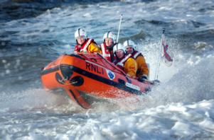 RNLI small boat rescue
