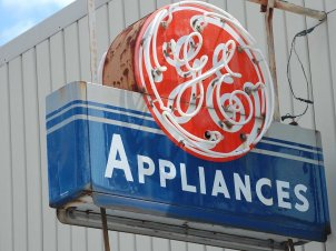 general-electric-sign-3
