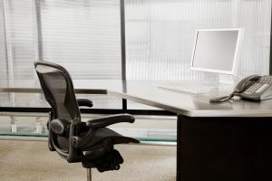 empty-cubicle-10856121rkzkd